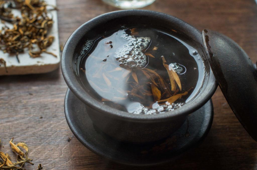 чай Ню Эр Хун купить фото