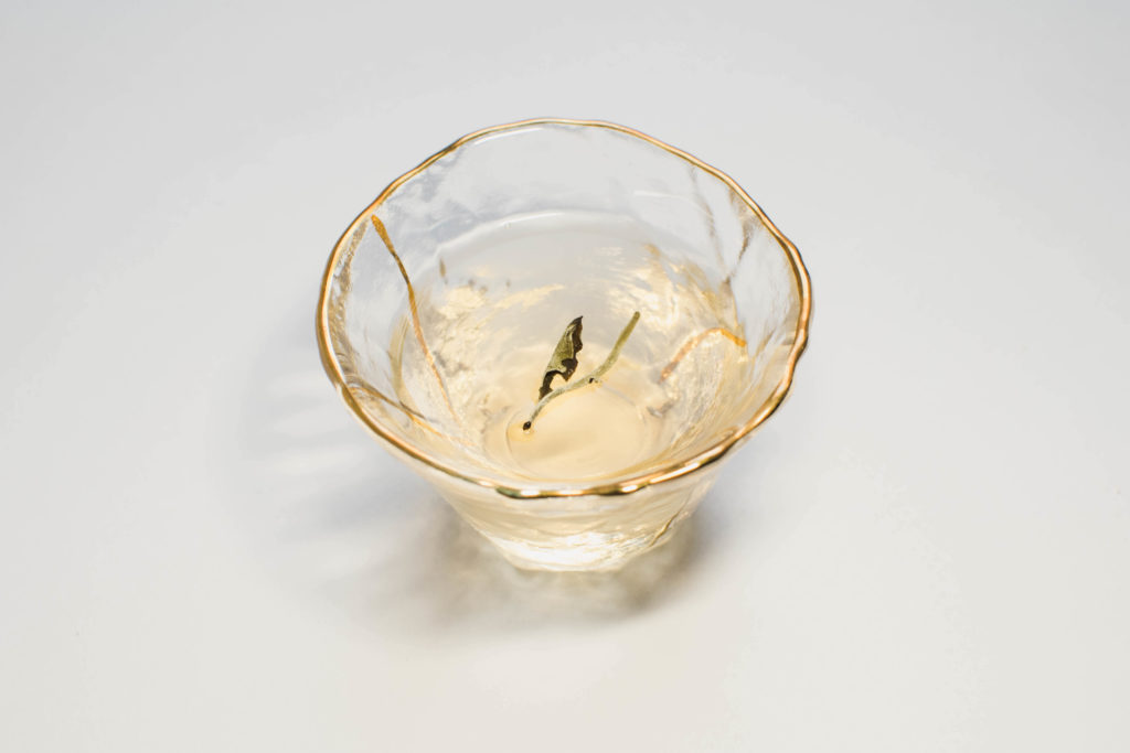 Юэ Гуан Бай Белизна Лунного Света белый чай фото