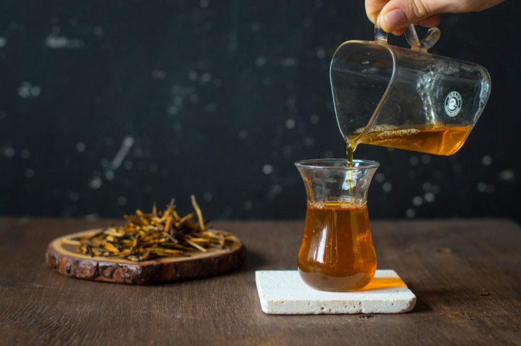 Золотые иглы красный чай купить фото