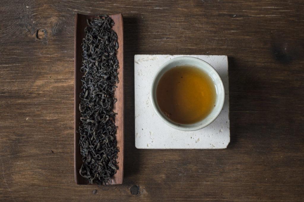 Лао Мэй Чжагнь выдержанный красный чай купить фото