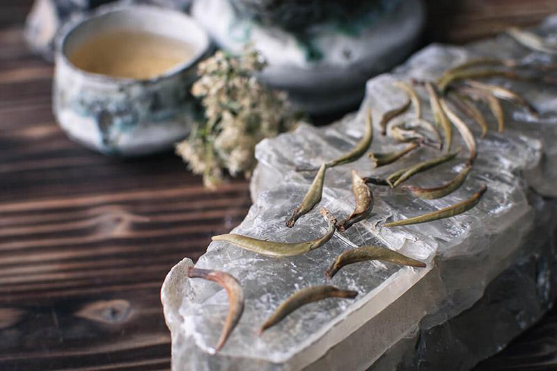 Белый чай из Юннань купить фото